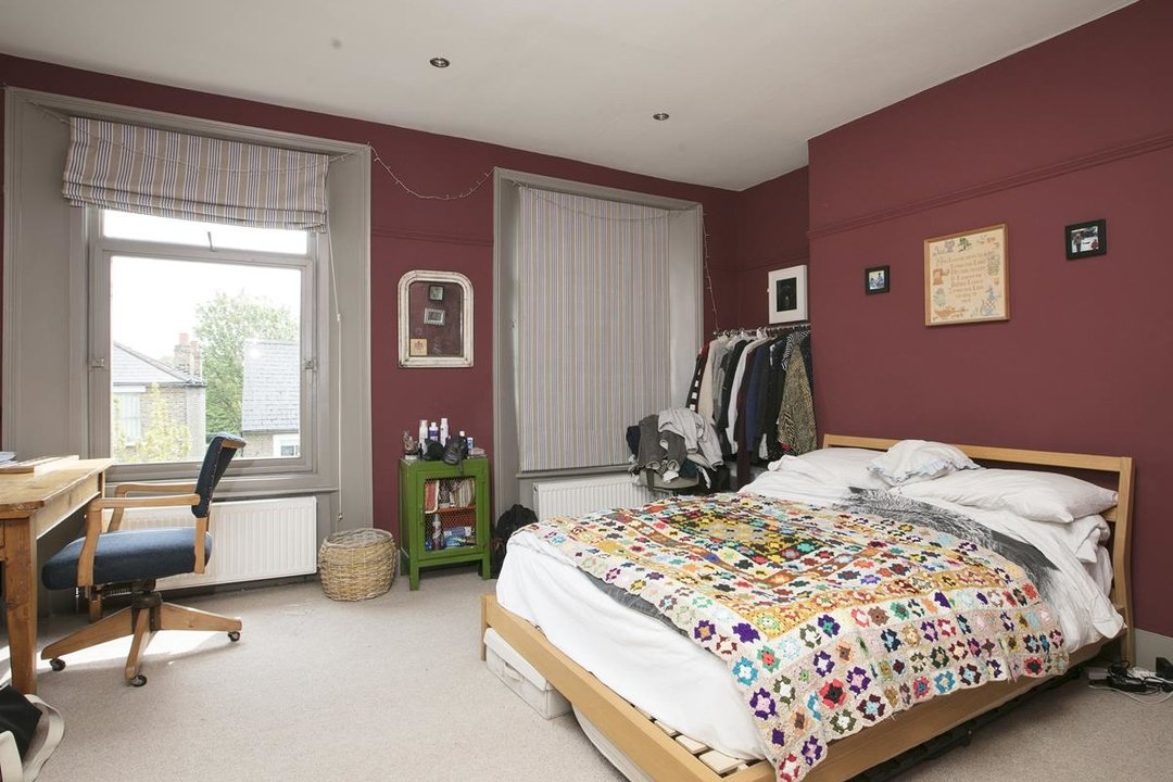 House - Terraced For Sale in Lyndhurst Grove, SE15 320 view28