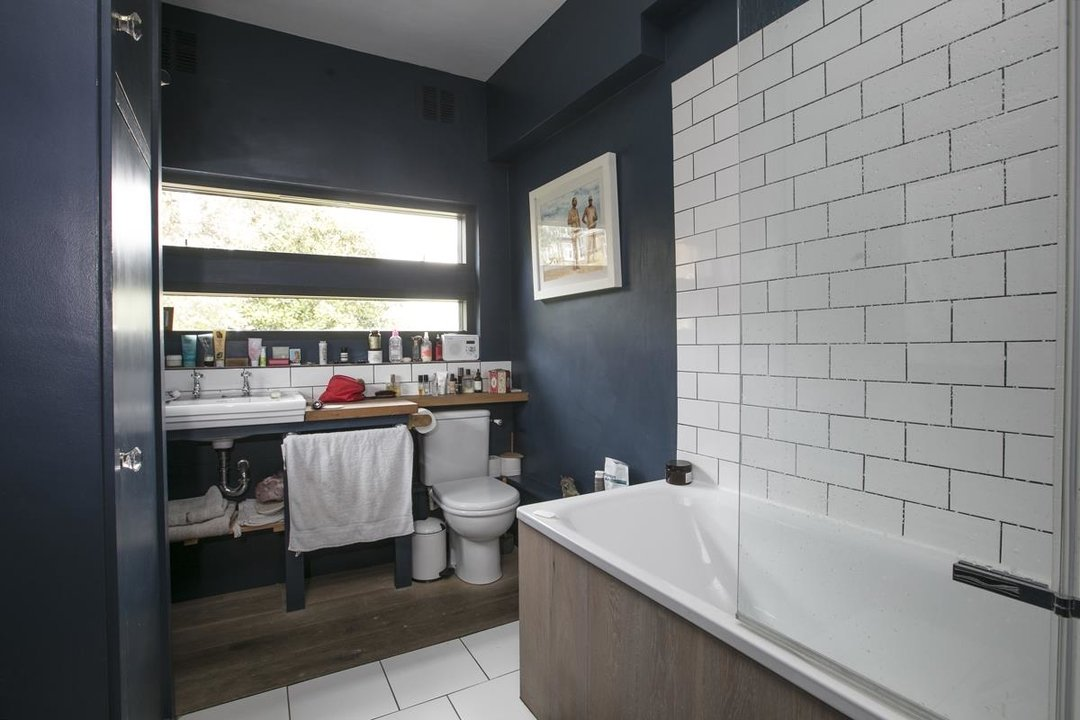 House - Terraced For Sale in Lyndhurst Grove, SE15 320 view14