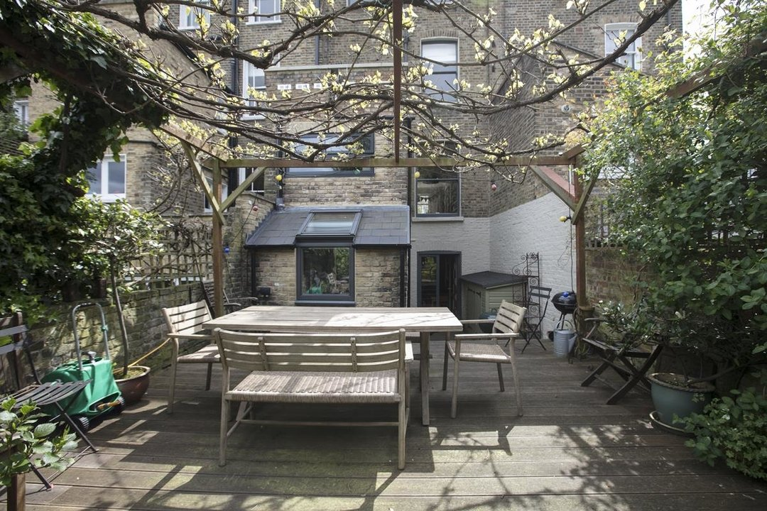 House - Terraced For Sale in Lyndhurst Grove, SE15 320 view33