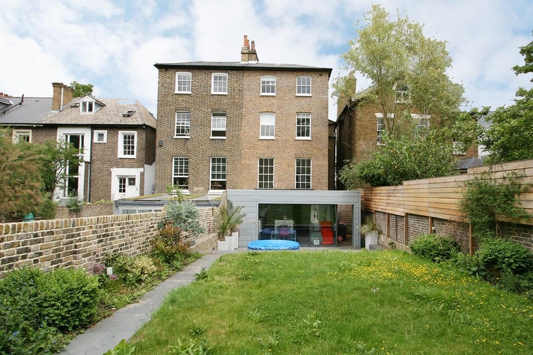 House - Semi-Detached Sale Agreed in Lyndhurst Way, SE15 55 view12