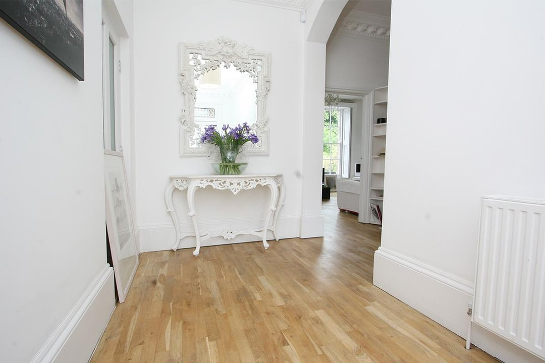 House - Semi-Detached Sale Agreed in Lyndhurst Way, SE15 55 view2