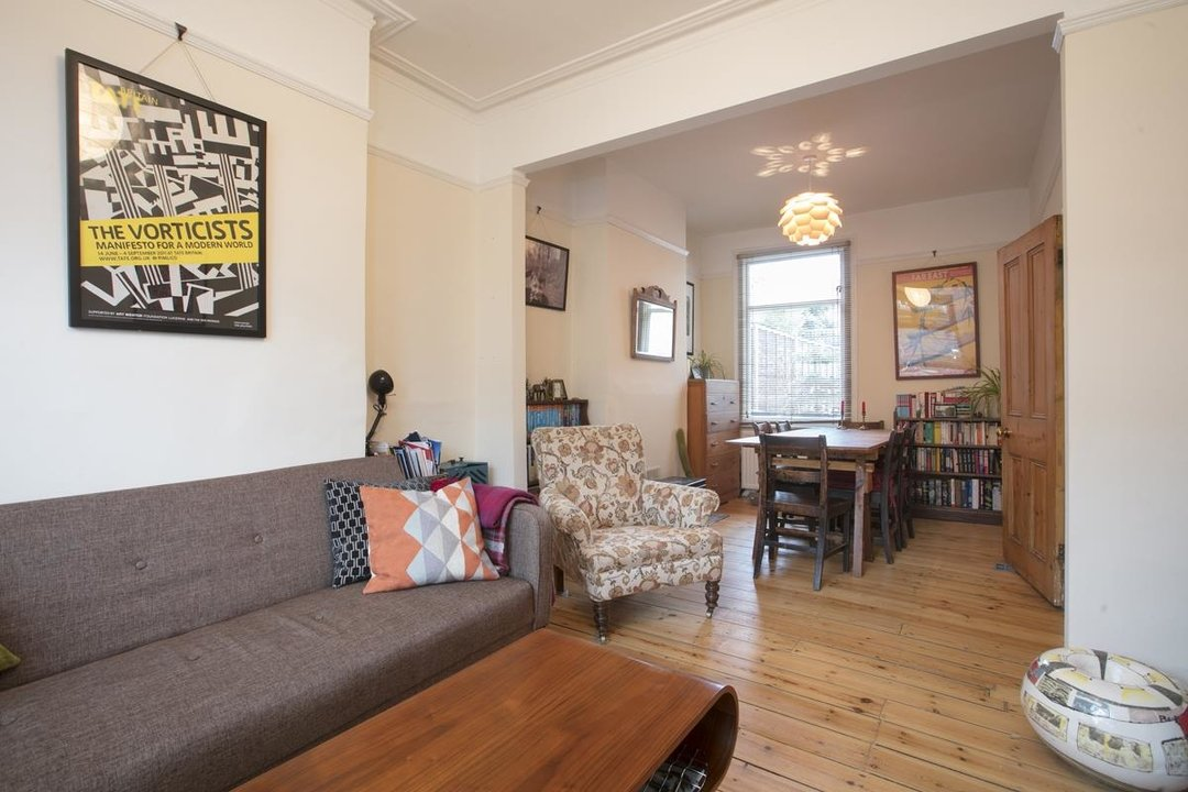 House - Terraced Sale Agreed in Machell Road, SE15 289 view7