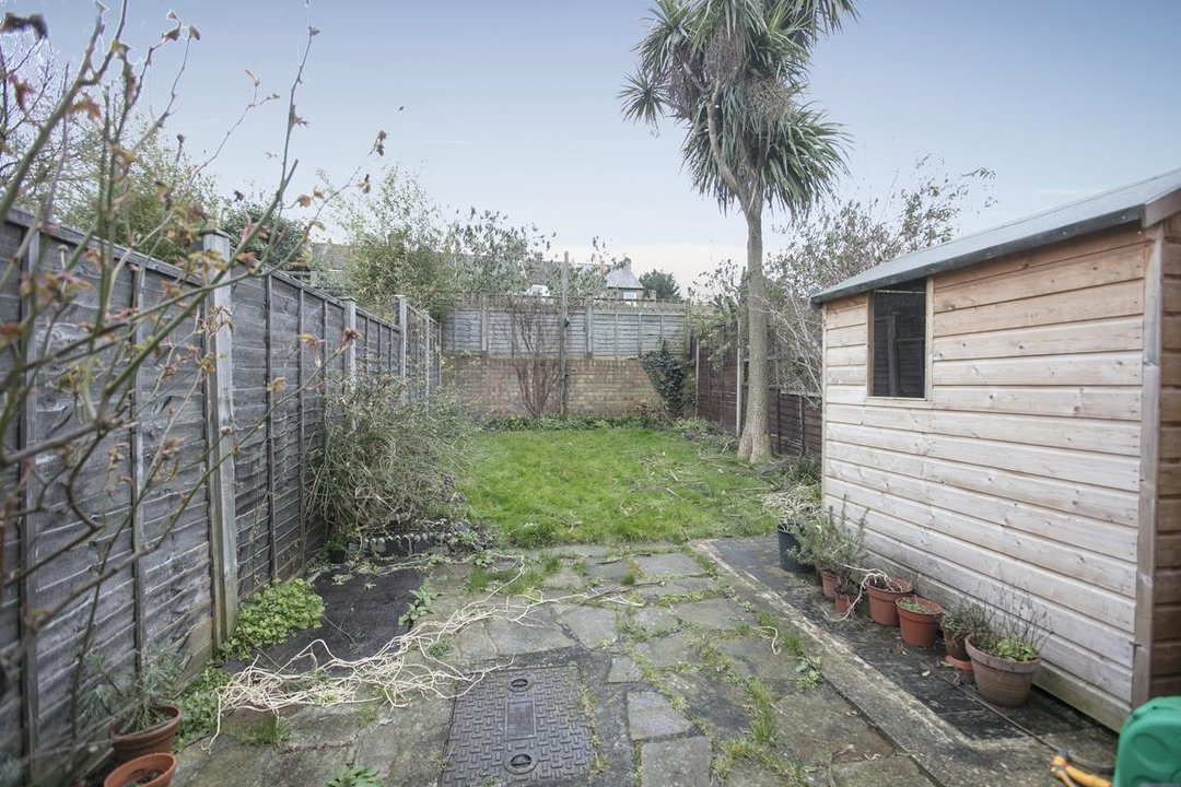 House - Terraced Sale Agreed in Machell Road, SE15 289 view12