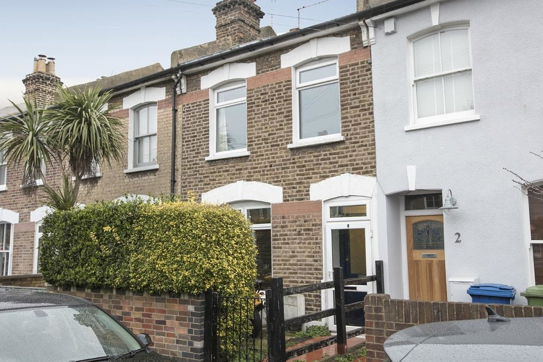 House - Terraced Sale Agreed in Machell Road, SE15 289 view1