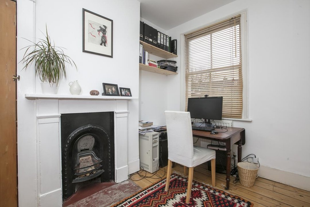 House - Terraced Sale Agreed in Machell Road, SE15 289 view8