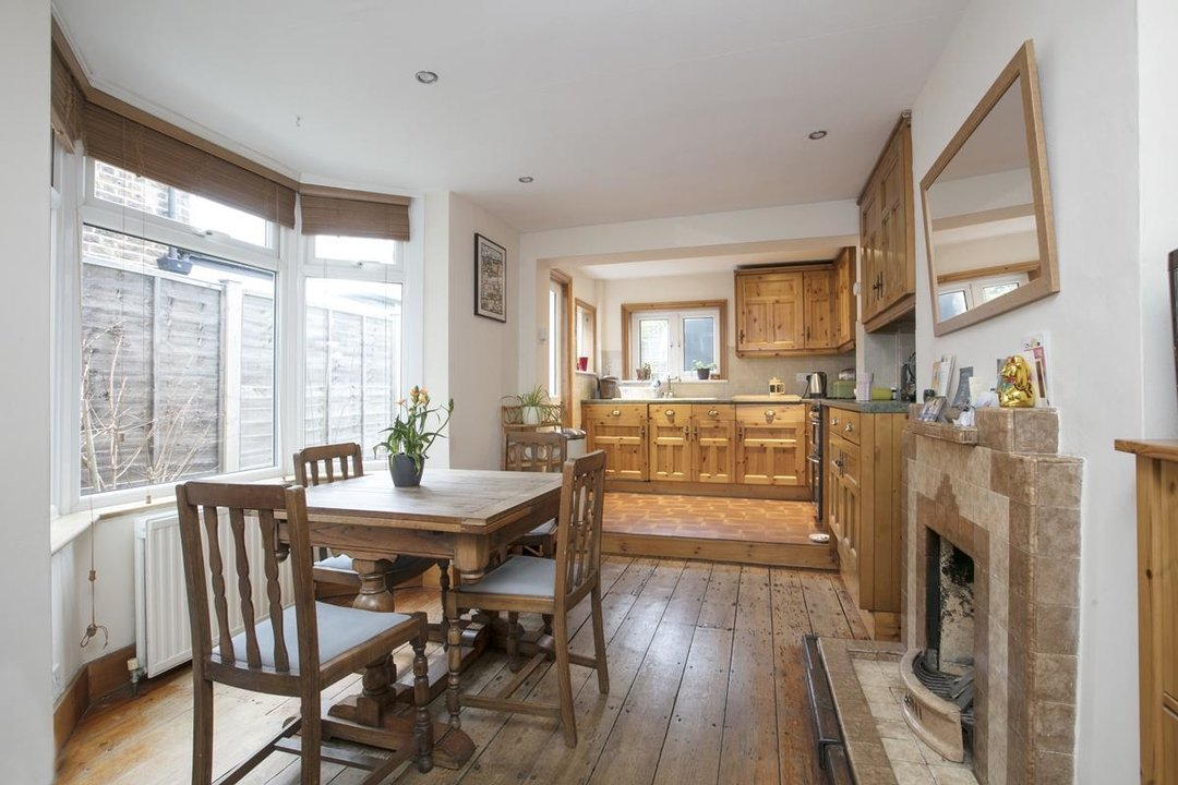 House - Terraced Sale Agreed in Machell Road, SE15 289 view3