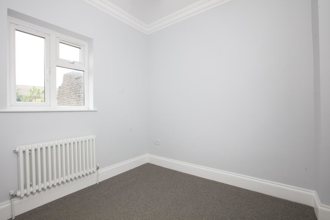 Flat - Conversion For Sale in Maude Road, SE5 331 view6