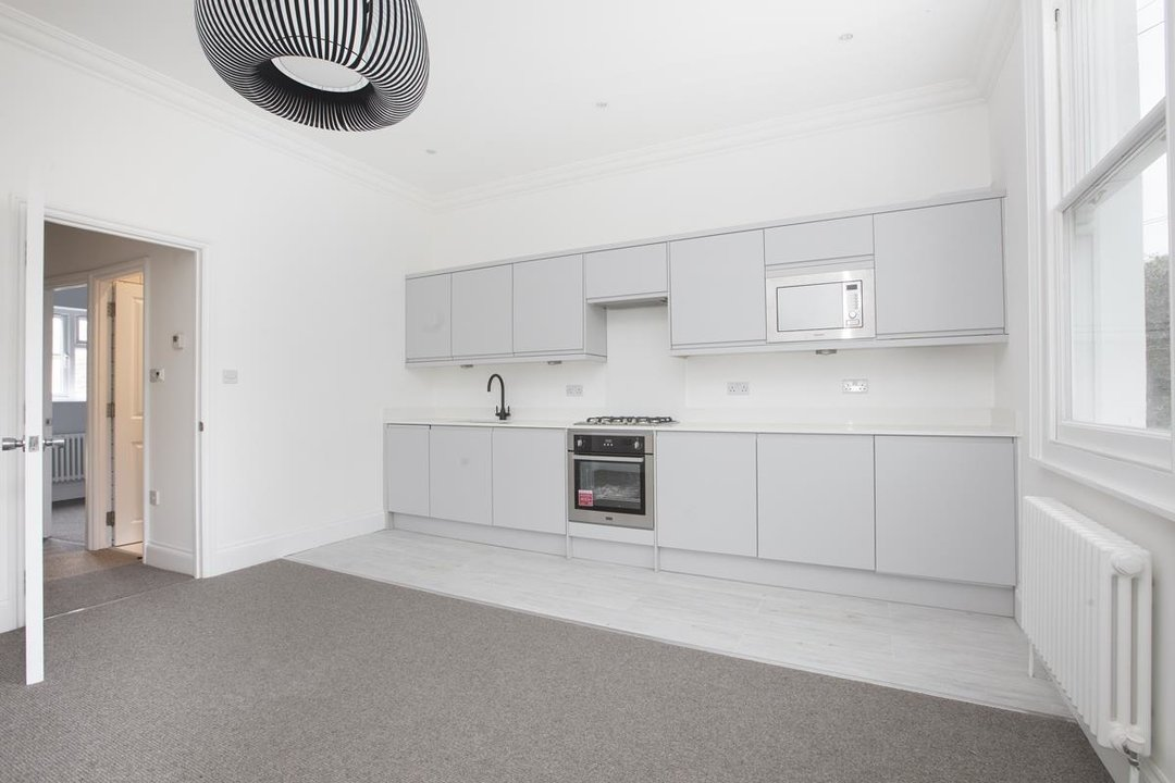 Flat - Conversion For Sale in Maude Road, SE5 331 view3