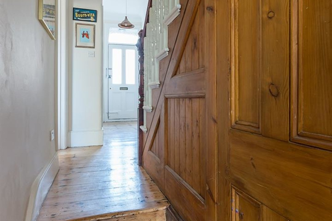 House - Terraced For Sale in McDowall Road, SE5 241 view8