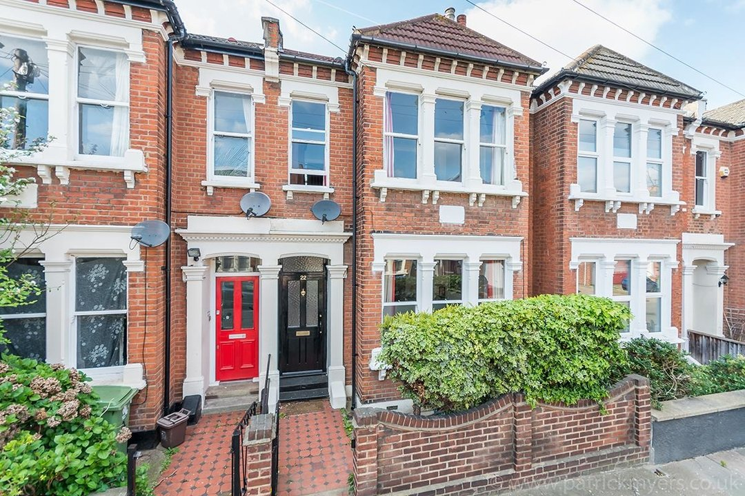 House - Terraced For Sale in McDowall Road, SE5 241 view1