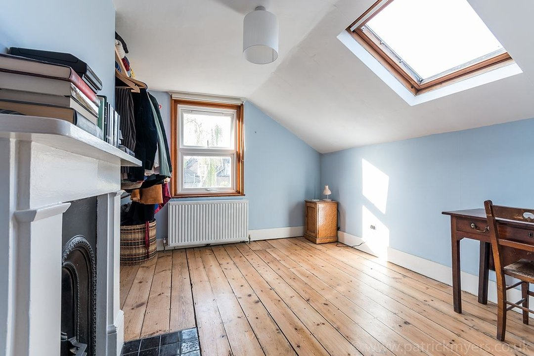House - Terraced For Sale in McDowall Road, SE5 241 view14