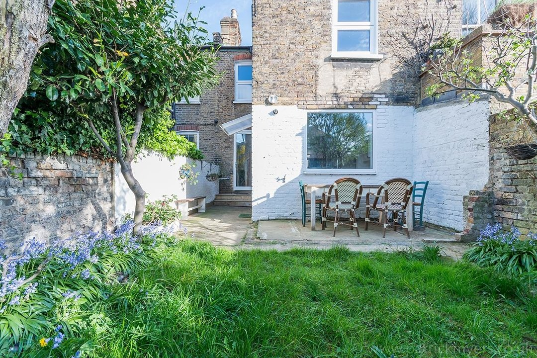 House - Terraced For Sale in McDowall Road, SE5 241 view16