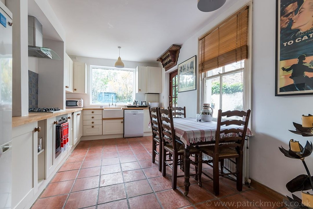 House - Terraced For Sale in McDowall Road, SE5 241 view6