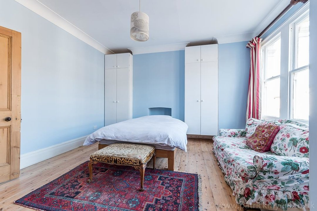 House - Terraced For Sale in McDowall Road, SE5 241 view19