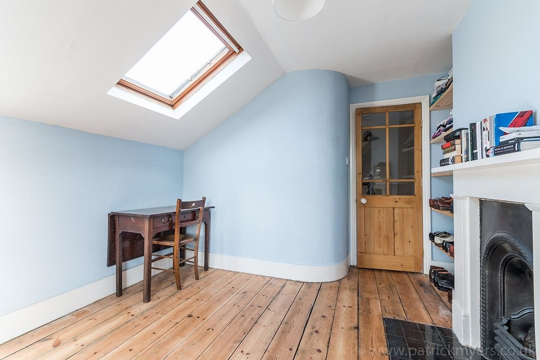 House - Terraced For Sale in McDowall Road, SE5 241 view21