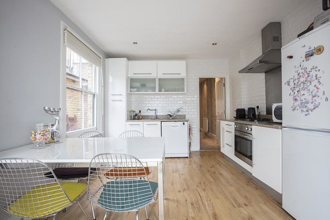Flat - Conversion For Sale in Morrish Road, SW2 200 view1