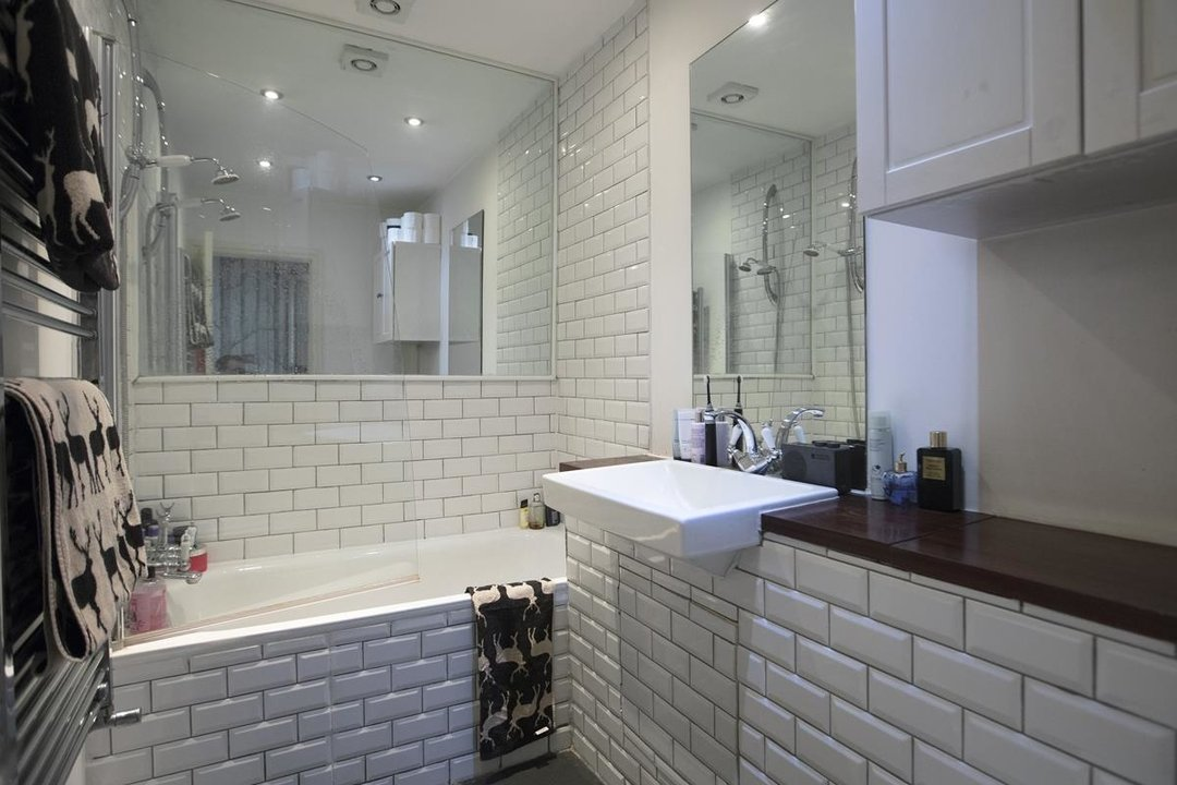 Flat - Conversion For Sale in Morrish Road, SW2 200 view11