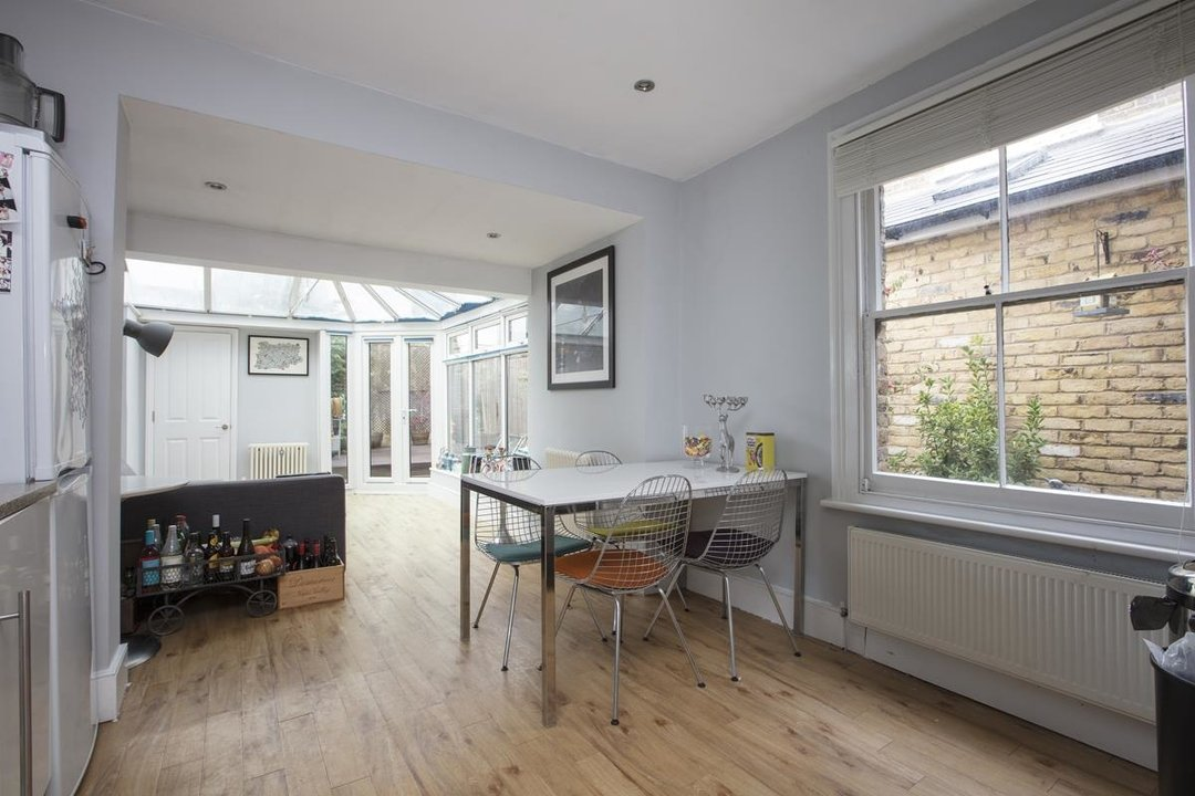 Flat - Conversion For Sale in Morrish Road, SW2 200 view4