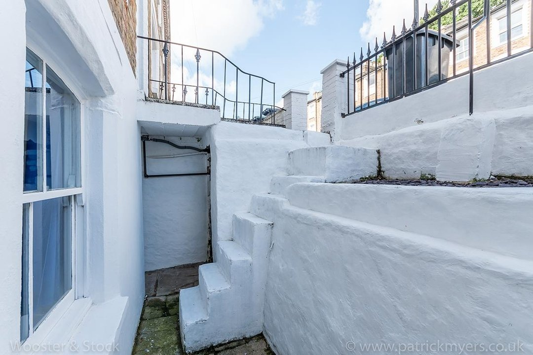 House - Terraced For Sale in Mount Ash Road, SE26 131 view15