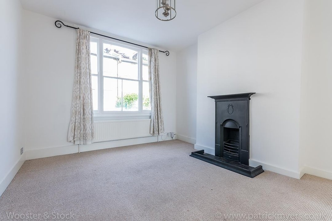 House - Terraced For Sale in Mount Ash Road, SE26 131 view5