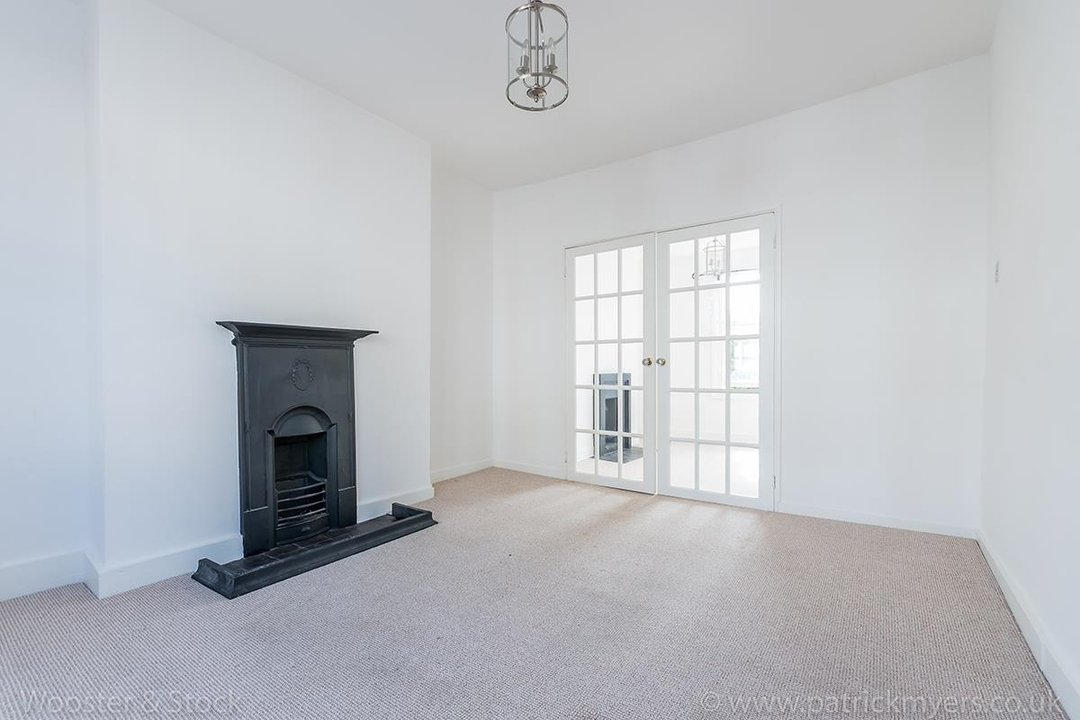House - Terraced For Sale in Mount Ash Road, SE26 131 view6