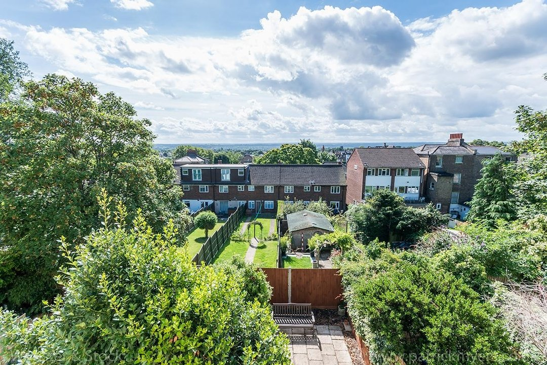 House - Terraced For Sale in Mount Ash Road, SE26 131 view18
