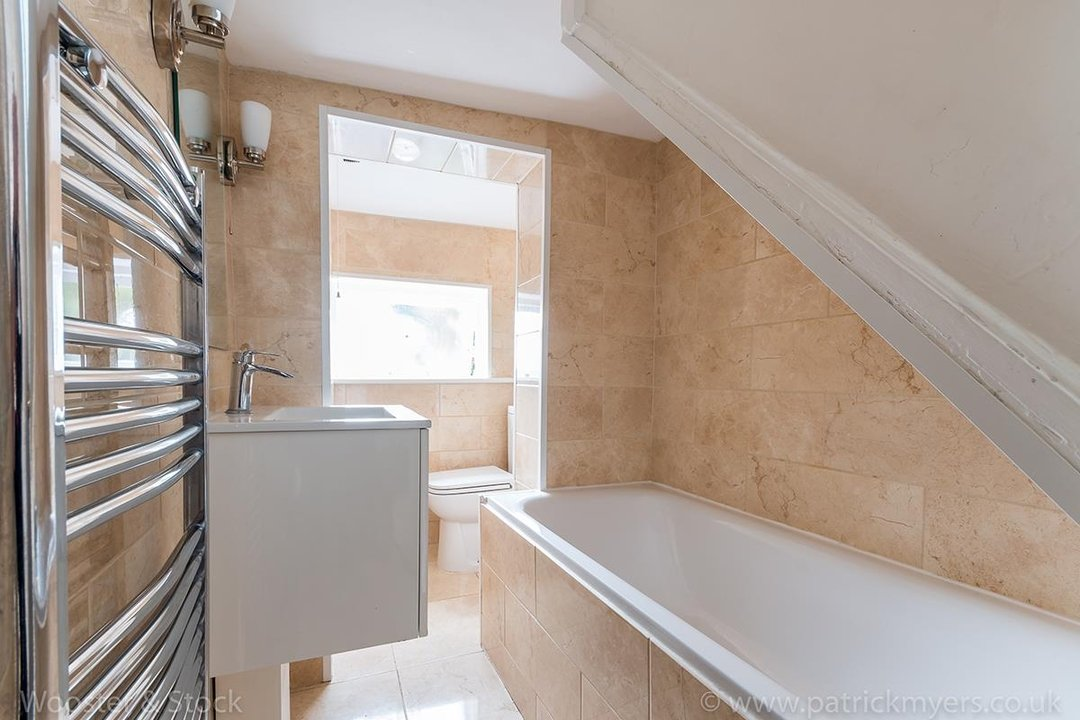 House - Terraced For Sale in Mount Ash Road, SE26 131 view10