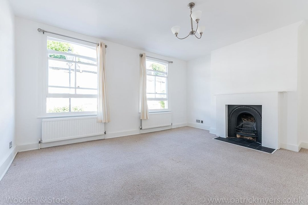 House - Terraced For Sale in Mount Ash Road, SE26 131 view2