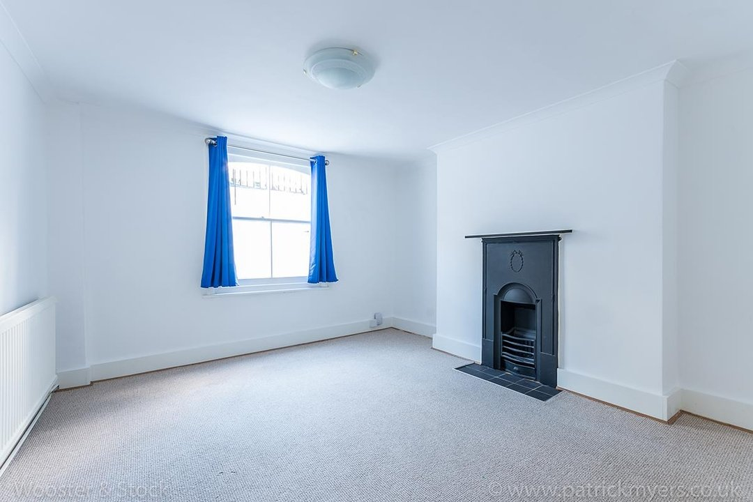 House - Terraced For Sale in Mount Ash Road, SE26 131 view3