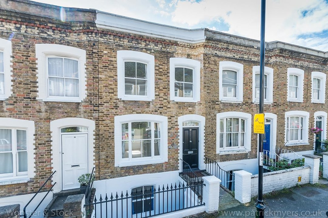 House - Terraced For Sale in Mount Ash Road, SE26 131 view1