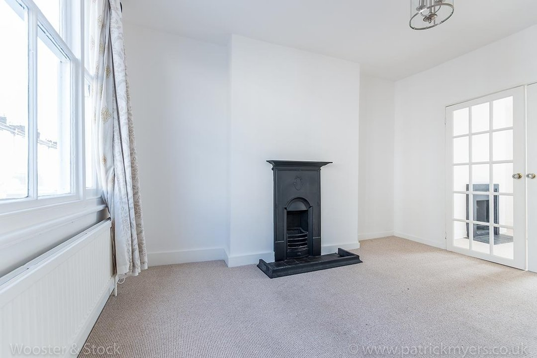 House - Terraced For Sale in Mount Ash Road, SE26 131 view7