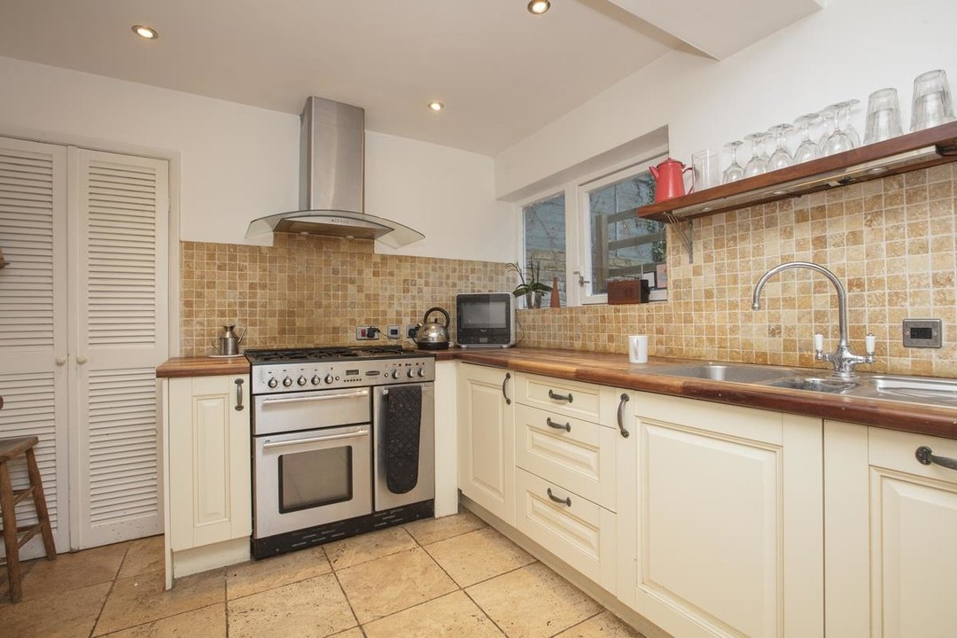 House - Terraced For Sale in Mount Ash Road, SE26 239 view6