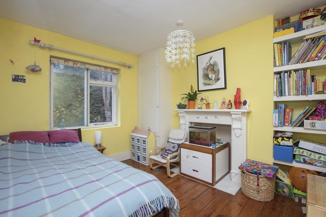 House - Terraced For Sale in Mount Ash Road, SE26 239 view9