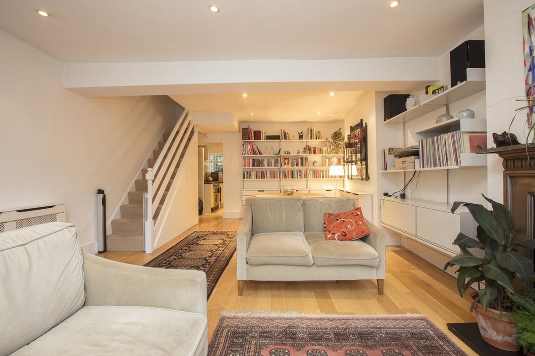 House - Terraced For Sale in Mount Ash Road, SE26 239 view4