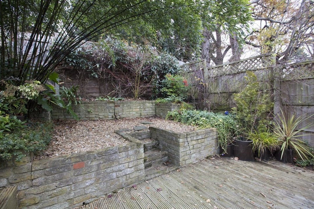 House - Terraced For Sale in Mount Ash Road, SE26 239 view7