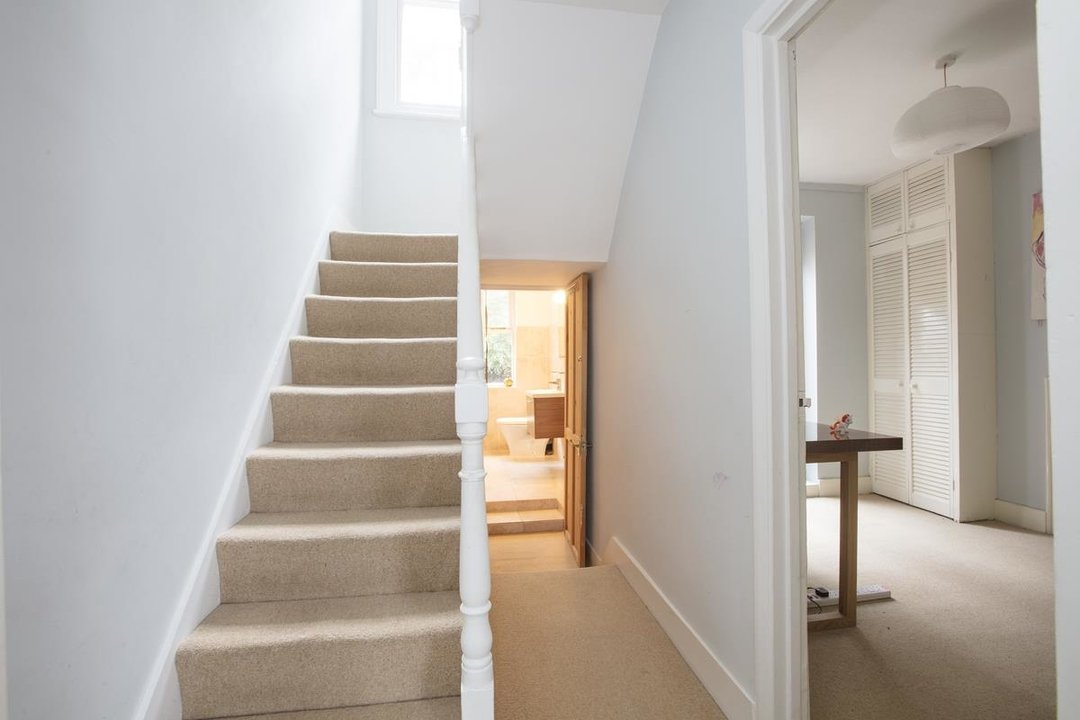 House - Terraced For Sale in Mount Ash Road, SE26 239 view17