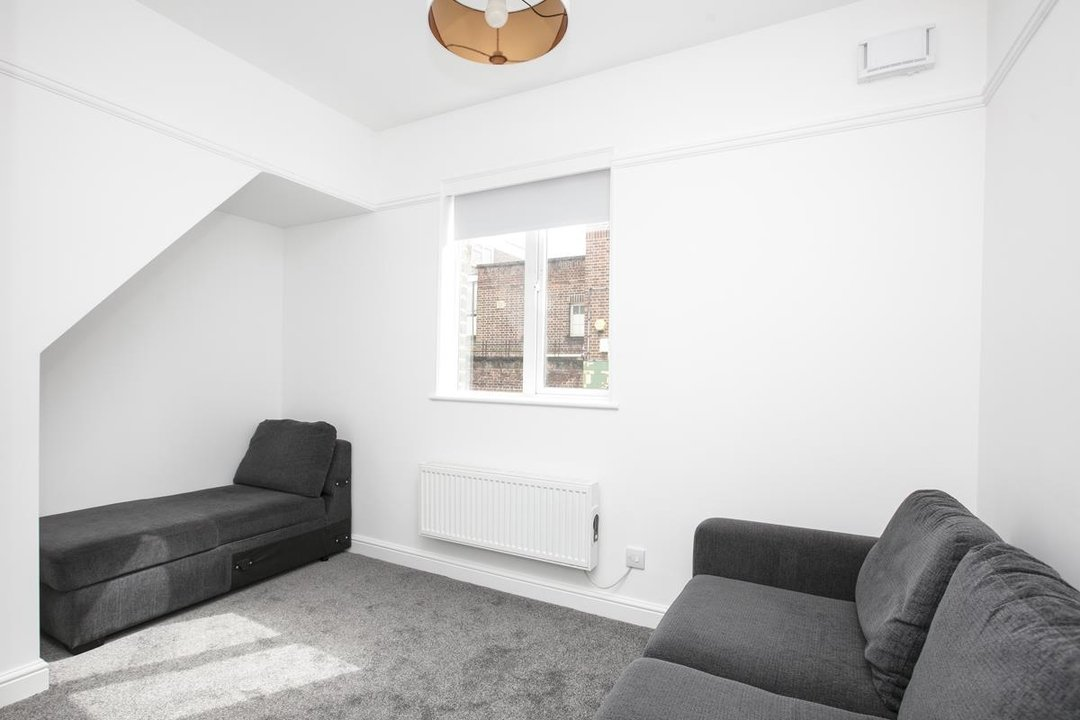 House - Terraced For Sale in New Church Road, SE5 301 view4