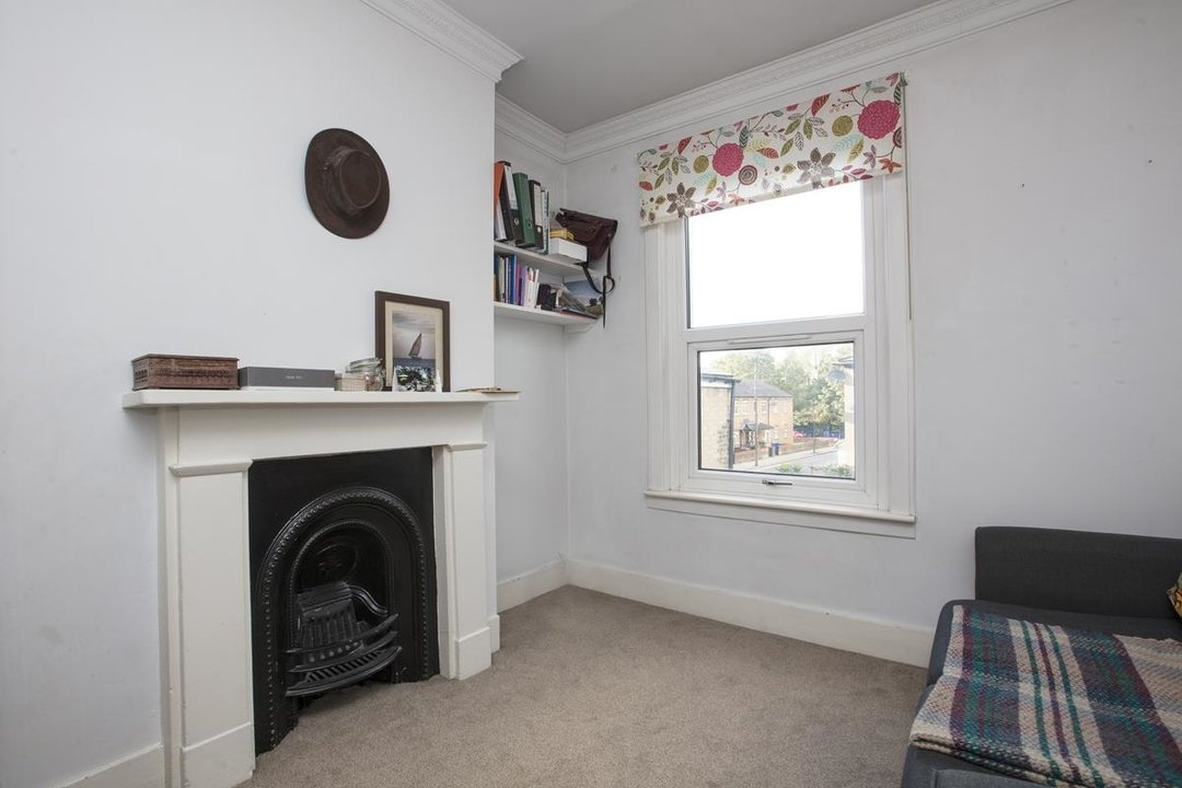 House - Terraced For Sale in Nigel Road, SE15 206 view11