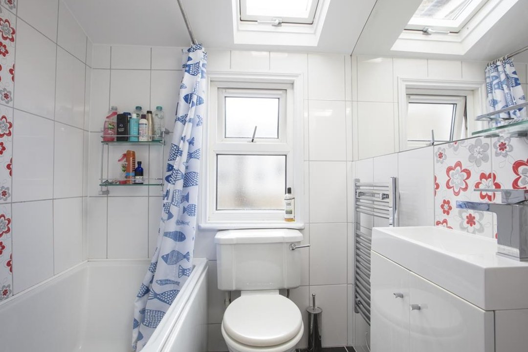 House - Terraced For Sale in Nigel Road, SE15 206 view9