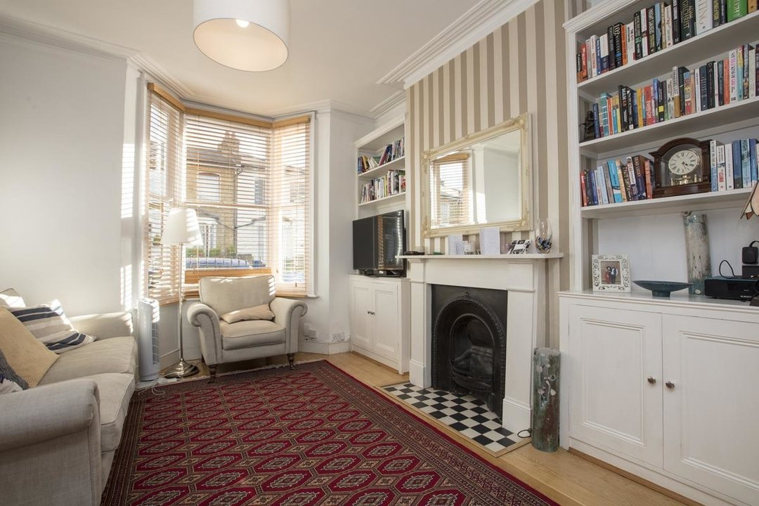 House - Terraced For Sale in Nigel Road, SE15 206 view2