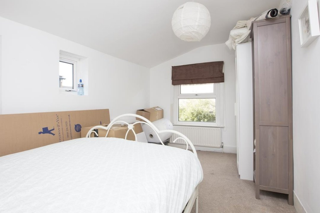 House - Terraced For Sale in Nigel Road, SE15 206 view7