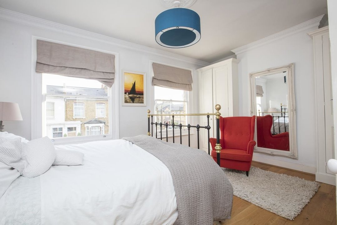 House - Terraced For Sale in Nigel Road, SE15 206 view10