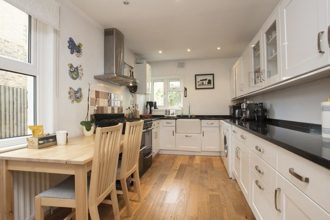 House - Terraced For Sale in Nigel Road, SE15 206 view3