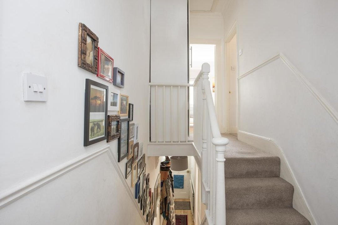 House - Terraced For Sale in Nigel Road, SE15 206 view8