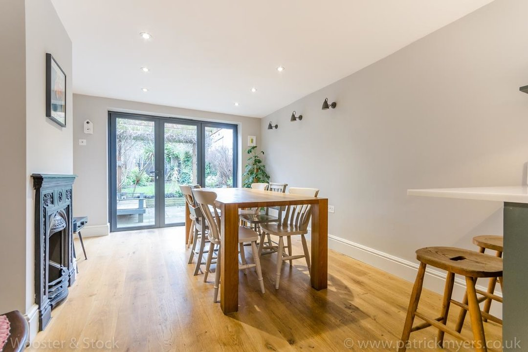 House - Terraced Sale Agreed in Nutbrook Street, SE15 264 view9