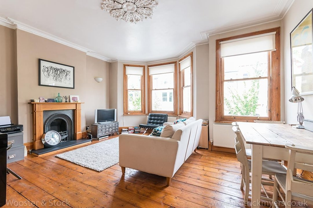 Flat/Apartment Sale Agreed in Oakhurst Grove, SE22 70 view2