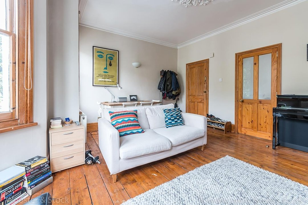 Flat/Apartment Sale Agreed in Oakhurst Grove, SE22 70 view8