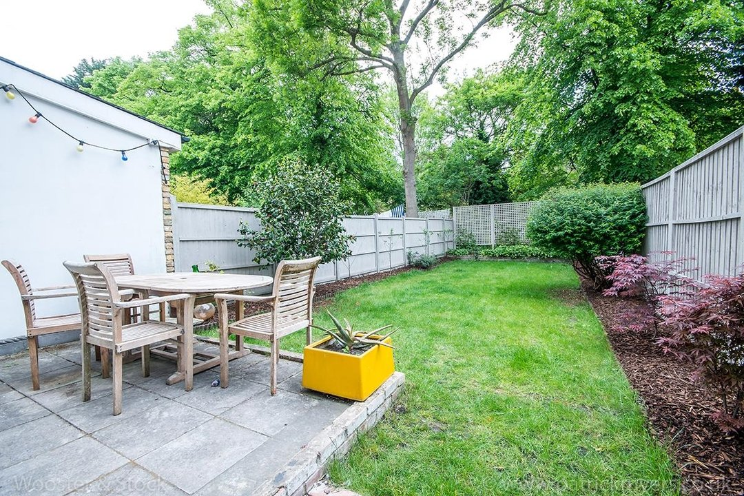 Flat/Apartment Sale Agreed in Oakhurst Grove, SE22 70 view3