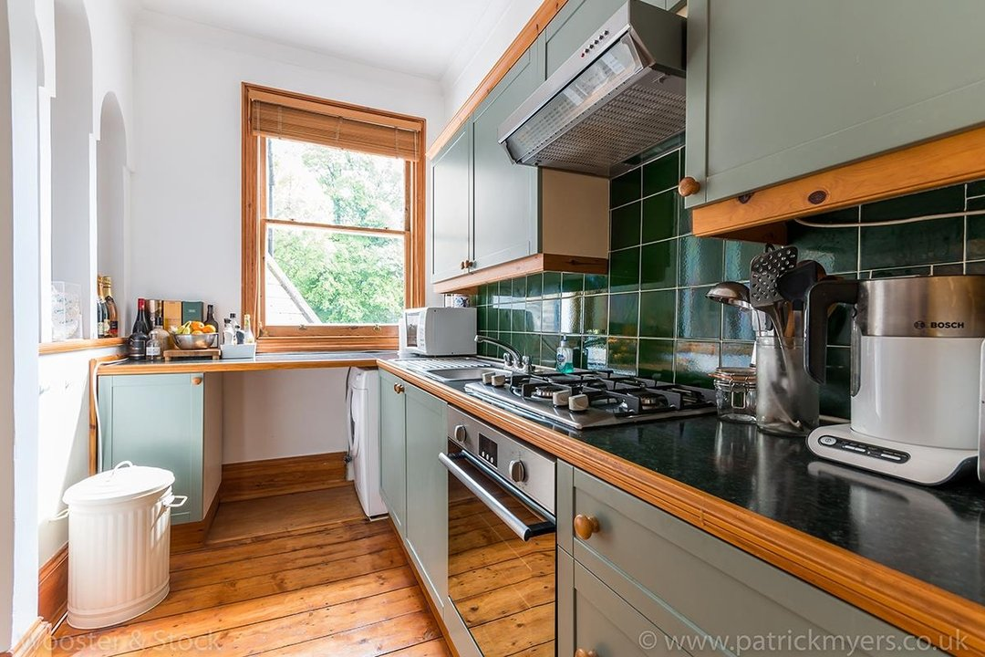Flat/Apartment Sale Agreed in Oakhurst Grove, SE22 70 view9