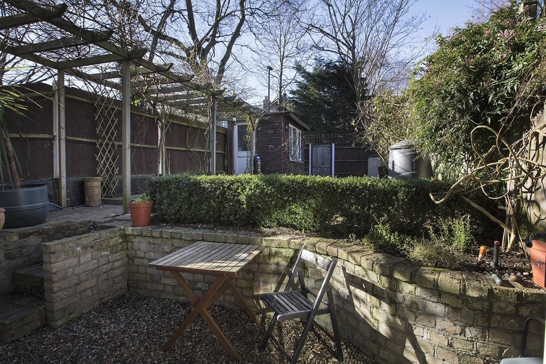 Flat - Conversion Sale Agreed in Overcliff Road, SE13 270 view3